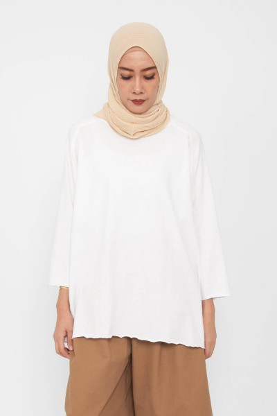 Riv Comfy Raw-Cut Top